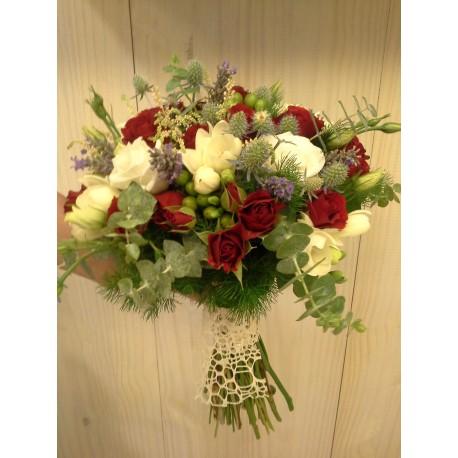Ramos flor variada tonos rojos y blancos