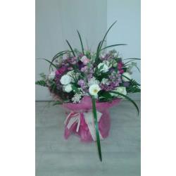 Ramo en tonos blancos, rosas y malvas