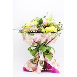 Ramos flores variadas en tonos amarillos